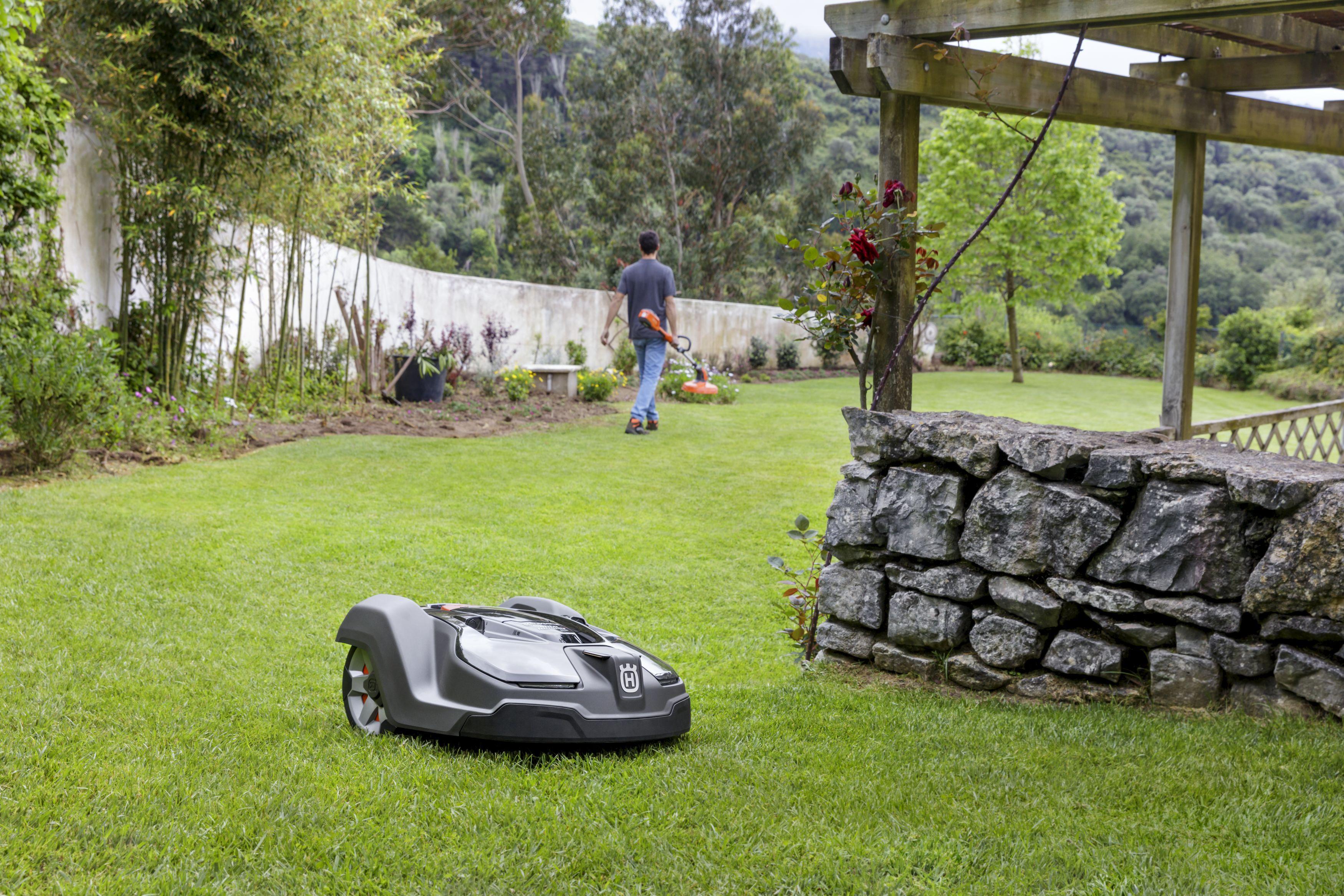 The Key Benefits of a High Tech Robotic Mower